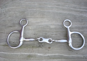 Baucher snaffle with a french link mouthpiece.