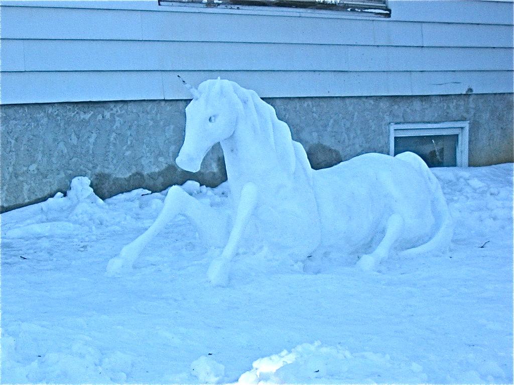 animal snow sculptures - photo #22