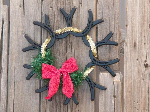 mini horse shoe wreath