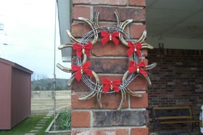 Western horse shoe wreath